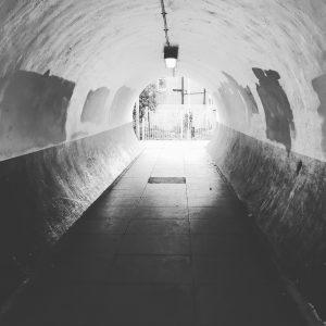Black and White tunnel RI